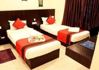 OYO Rooms Parama Island EM Bypass
