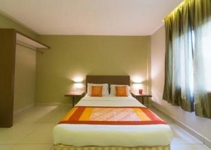 OYO Rooms Sentul KTM Station