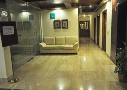 OYO Rooms Sikanderpur Metro Station
