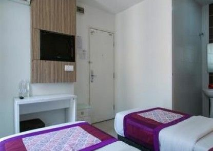 OYO Rooms Strand Mall