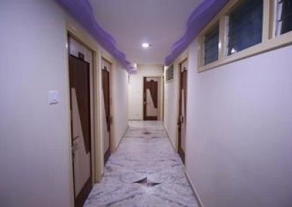 OYO Rooms Swastik Char Rasta 4