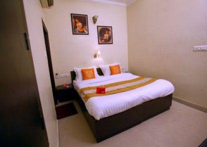 OYO Rooms Umed Club Road Rai Ka Bagh