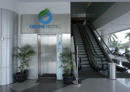 Ozone Hotel Pantai Indah Kapuk Jakarta Pintu Masuk