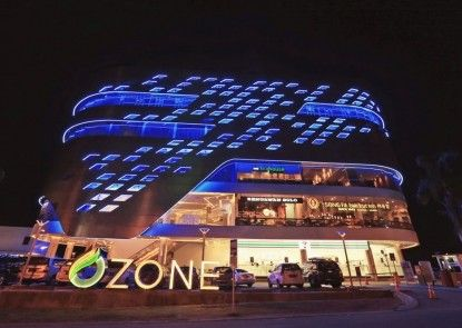 Ozone Hotel Pantai Indah Kapuk Jakarta Teras