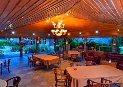 Pacific Beach Cottages & Villa Rumah Makan