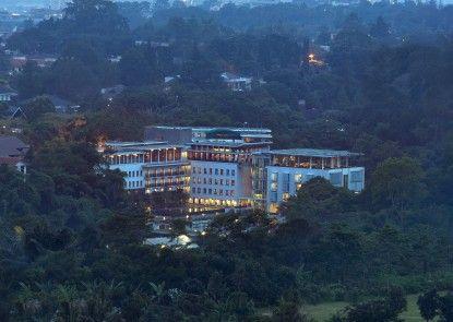 Padma Hotel Bandung Eksterior
