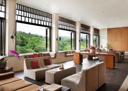 Padma Hotel Bandung Lounge