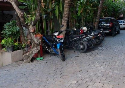 Palm Garden Kuta Hotel
