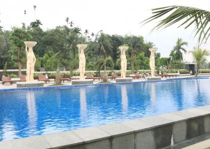 Pancur Gading Hotel & Resort Kolam Renang
