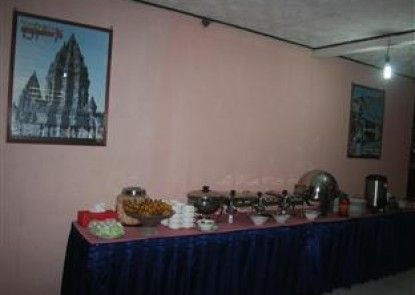Pandan Wangi Hotel Makan Prasmanan
