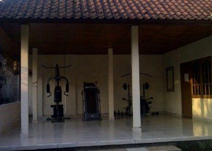 Pande Permai Homestay Ruangan Fitness
