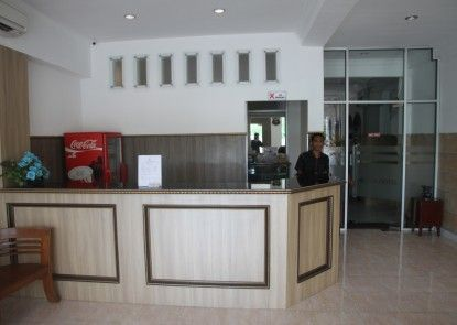 Pandora Hotel Mataram Penerima Tamu