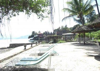Pandu Lakeside Hotel Tuktuk