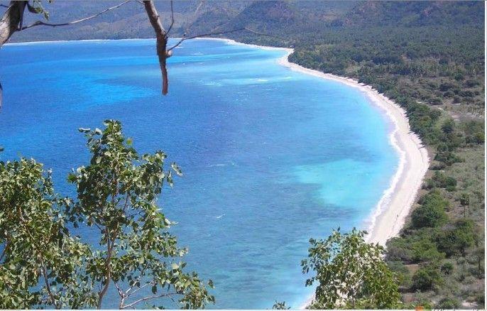 Pantai Pasir Putih Bean