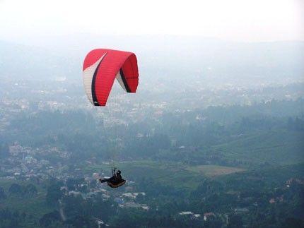Paragliding Gunung Haruman