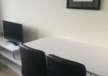 Parallel House Serviced Apartments Slough Windsor