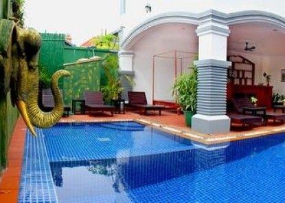 Parent Heritage Angkor Villa