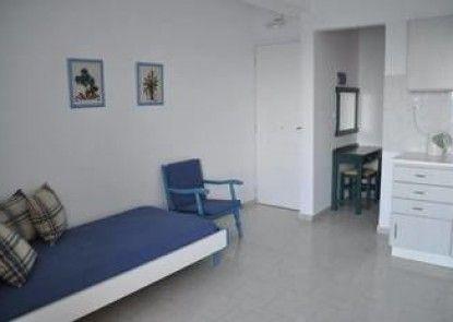 Parianna Apartments