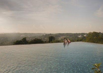 Park Hotel Nusa Dua Suites Kolam Renang