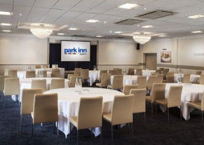 Park Inn by Radisson Harlow