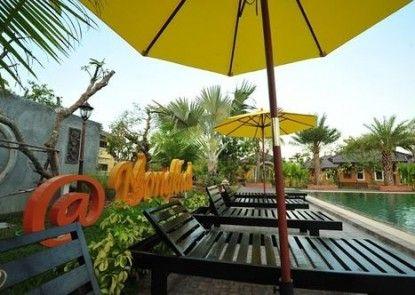 Park & Pool Resort