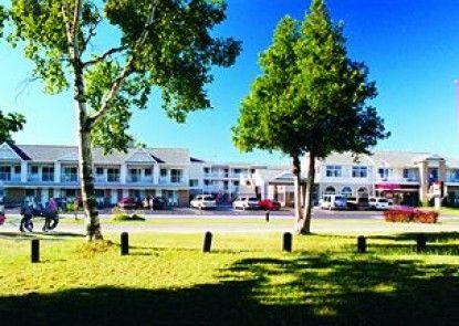 Parkside Inn Bridgeview Teras