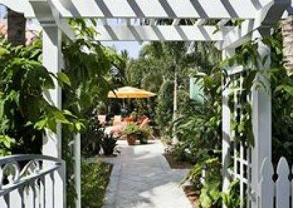 Parrot Key Hotel & Resort Teras