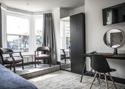 Peaky Blinders Accommodation & Bar