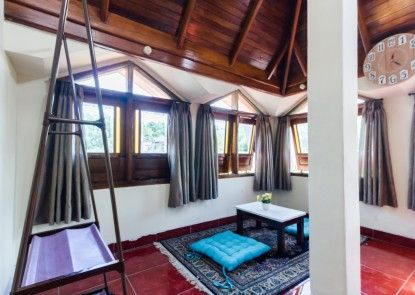 Pele Backpacker Guesthouse Teras