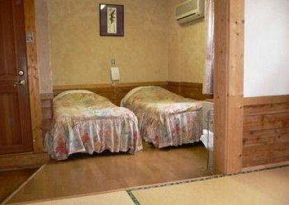 Pension and Log Cottage Hoshinoko