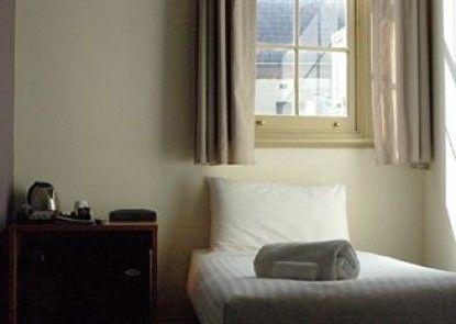 Pensione Hotel Sydney Teras