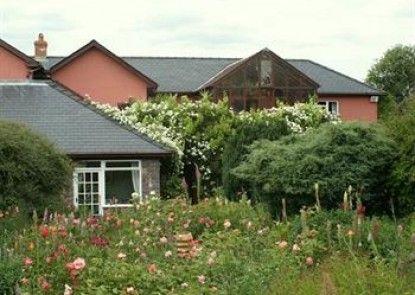 Pen-Y-Bryn House