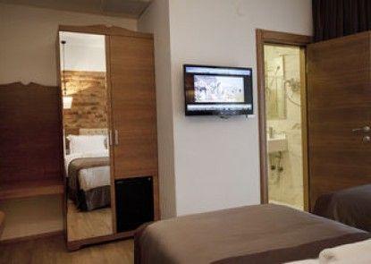 Pera Line Hotel