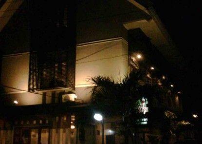 Permata Guest House Semarang Eksterior
