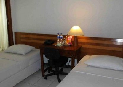 Permata Guest House Semarang Kamar Tamu
