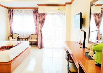 Phaithong Sotel Resort