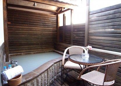 Phoenix Pavilion Hot Spring Hotel