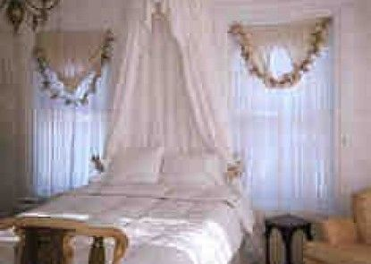 Pillsbury House Bed & Breakfast