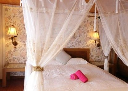 Pin Ciao Hotel