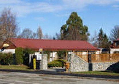 Pinewood Motels
