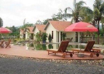 Pink Sands Villa - All Adults