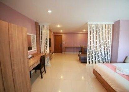 Pintree Service Apartment Pattaya