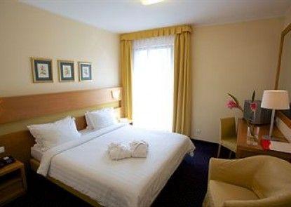 PK Ilmarine Hotel