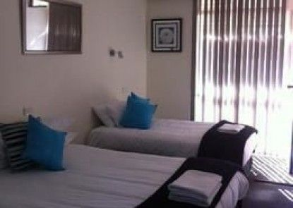 Plainsman Motel