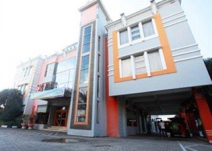 Plaza Hotel Tegal Eksterior