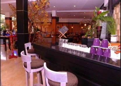 Plaza Hotel Semarang Lobby
