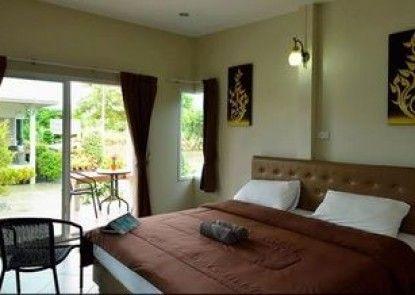 Pleai ta lea Resort Chaolao Beach