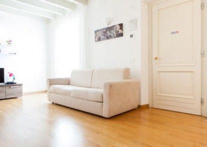 Polpenazze Halldis Apartments