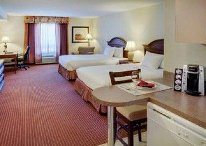 Pomeroy Inn & Suites Grimshaw