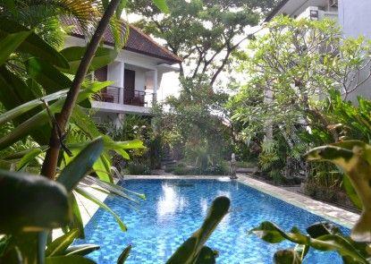 Pondok Sari Hotel Kolam Renang
